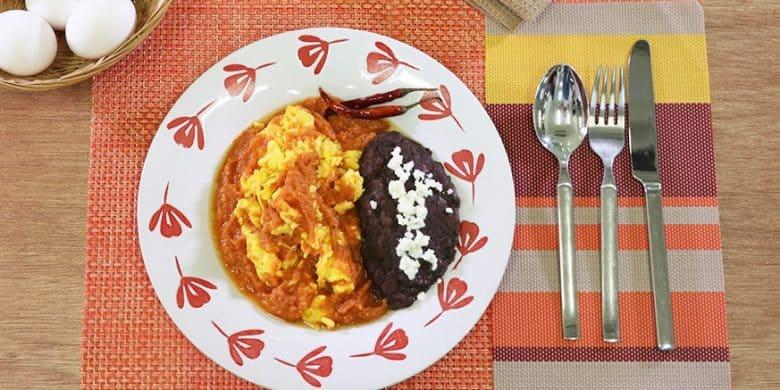 Huevos al albañil Paso:   4
