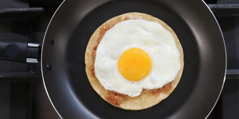 Huevos rancheros Paso:   4