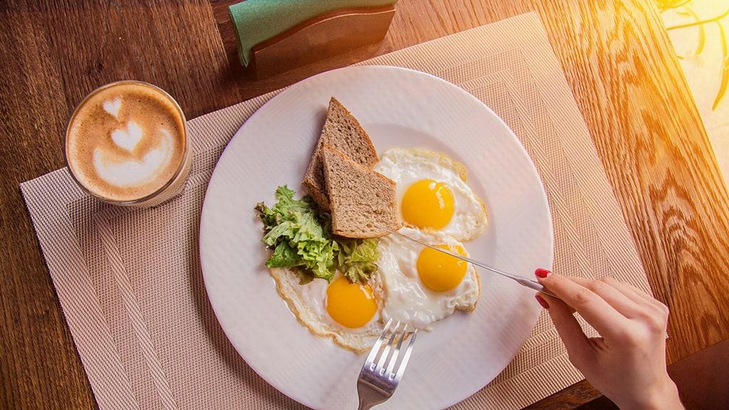 Es bueno incluir huevo en tu dieta