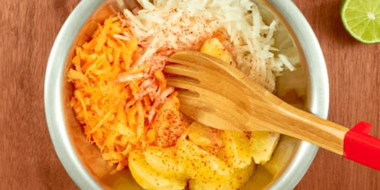 Alitas con zanahoria, jícama y naranja Paso:   3