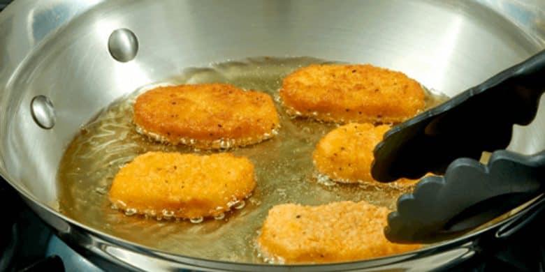 Ensalada de pepino con nuggets Paso:   3