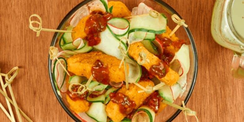 Ensalada de pepino con nuggets Paso:   5