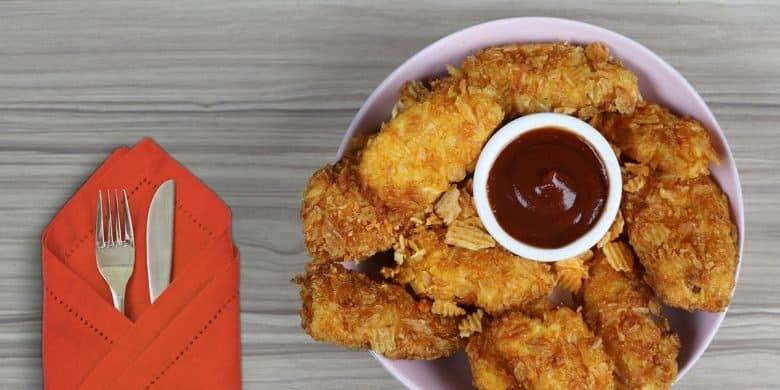 Pollo empanizado con papas fritas Paso:   4