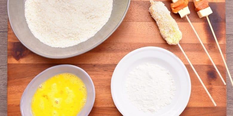 Kushiagues de pollo y queso Paso:   2