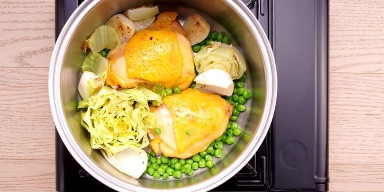 Muslos de pollo con chícharos Paso:   3