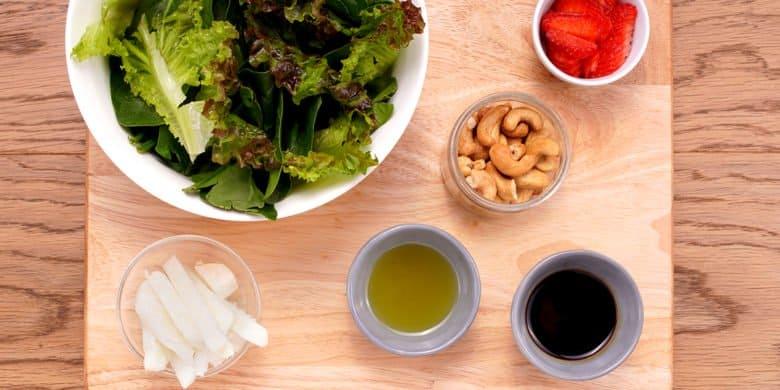 Boneless artisanos con ensalada de frutos rojos Paso:   3