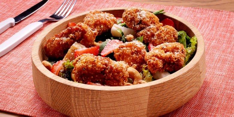 Boneless artisanos con ensalada de frutos rojos Paso:   4
